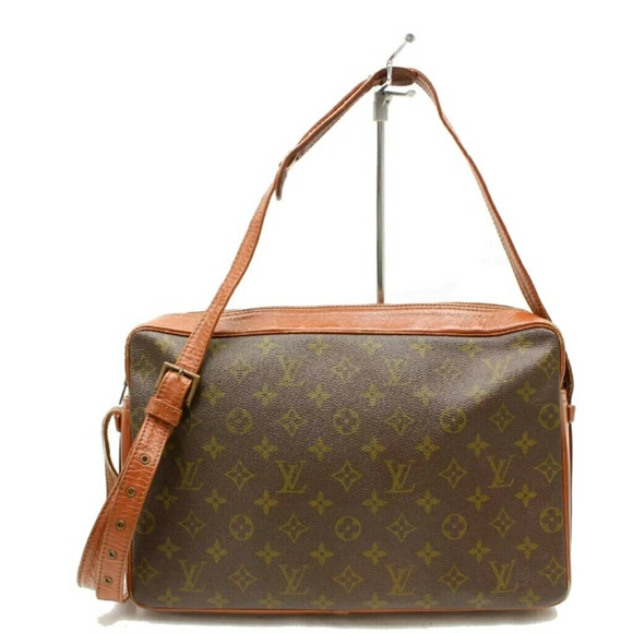 190d3cad7b8 Louis Vuitton Handbags - Louis Vuitton Sac Bandouliere